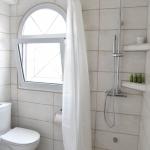Suite-Bath-3